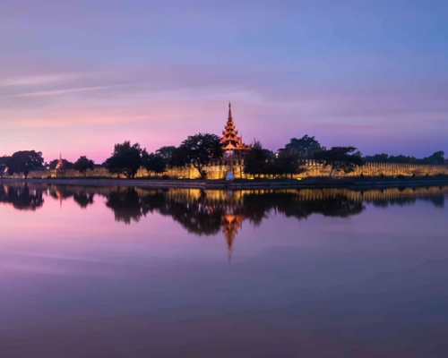 myanmar-night-view-of-fort-or-royal-palace-in-mandalay